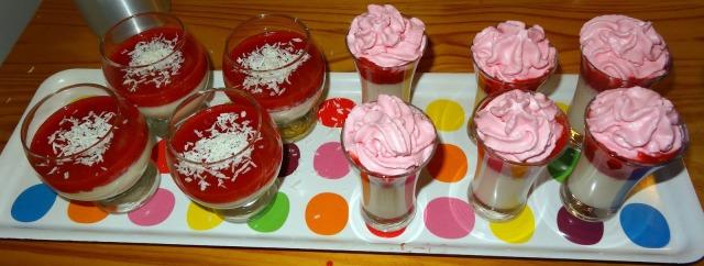 Panna cotta Vanille fraise et noix de coco fraise avec de l'agar agar