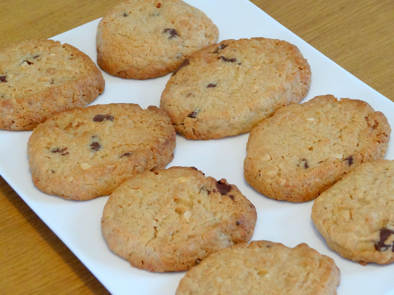 Recette de cookies au beurre de cacahu te et aux p pites de chocolat les gourmandises de bl ne - Cookies beurre de cacahuete ...