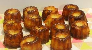 Canelé bordelais cuit dans plateau profil