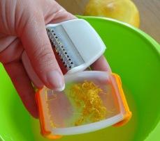 Muffin myrtille pignon de pin pamplemousse zesteur