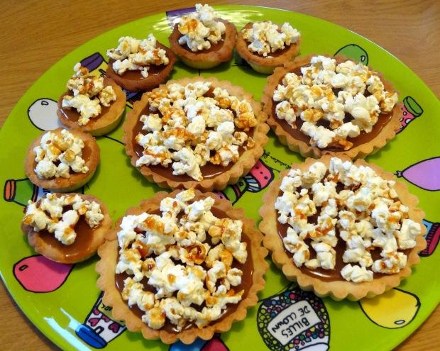 Tartelette au caramel au beurre salé et au pop corn caramel finalisé