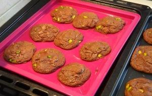 Cookies Nutella Pistache chocolat au lait sorti du four